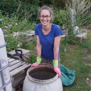 Und jetzt nochmal mit Julia im Bild...😄😄😄 #mitmachgarten #urbangardening #schrebby