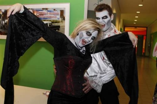 2012 11 Halloween Party02