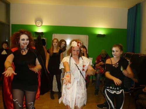 2012 11 Halloween Party05
