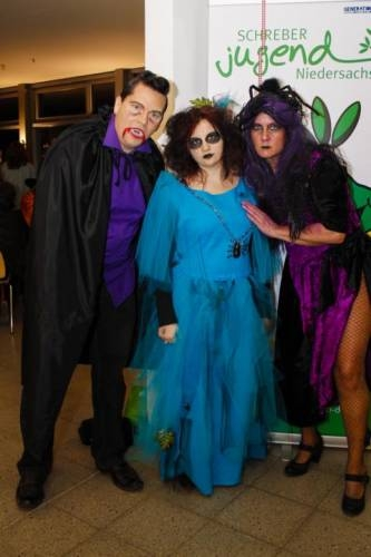 2012 11 Halloween Party15